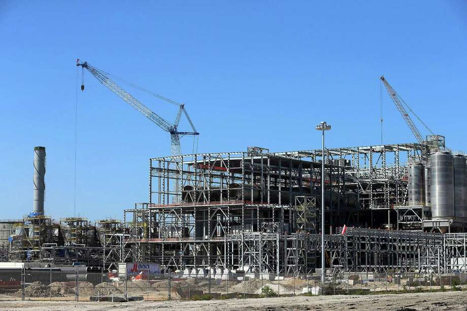 M&G Resins USA's Jumbo Project under construction in Corpus Christi. The facility - which would make plastic for bottles - has more than $100 million in liens filed against it. Photo: Gabe Hernandez /Caller-Times / Corpus Christi Caller-Times