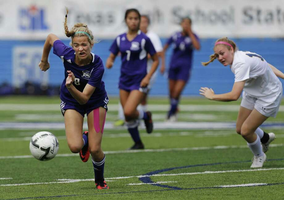 Boerne's Alexis Truitt (8) runs with the ball away from Stephenville's Madelyn Heupel (13) during the UIL soccer class 4A final at Birkelbach Field, Georgetown, Thursday, April. 13, 2017. (Stephen Spillman) Photo: Stephen Spillman / Stephen Spillman / stephenspillman@me.com Stephen Spillman