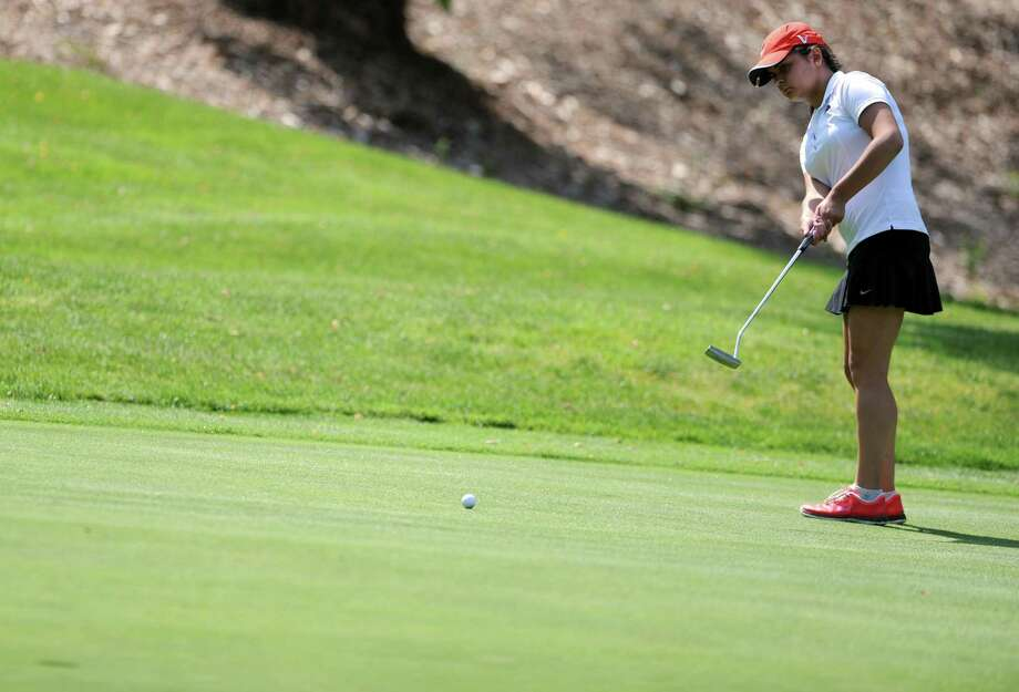 Fairfield Warde's Nadia Caputo is one of four All-FCIAC golfers returning this spring for coach Brian Crocker. Photo: Autumn Driscoll / Autumn Driscoll / Connecticut Post