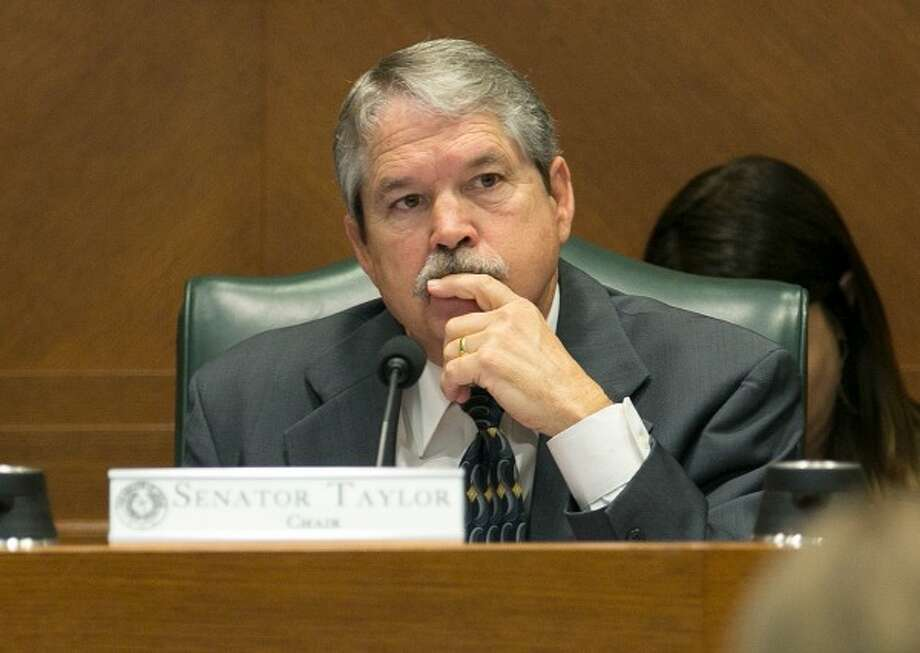 State Sen. Larry Taylor, chairman of the Senate Education Committee, listens during the panel's March 2017 hearing on his educational savings account legislation (Deborah Cannon, Austin American-Statesman). Photo: Deborah Cannon / Austin American-Statesman