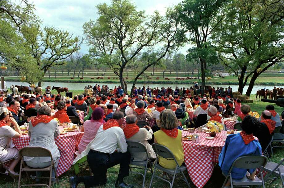 Guests enjoying barbeque and entertainment at the barbeque for Latin American Ambassadors at LBJ Ranch, near Stonewall, Texas, in 1967. Photo: Robert Knudsen / J.C. Reid