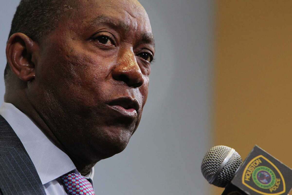 A majority of respondents in a poll conducted by the University of Houston support Mayor Sylvester Turner's plan to issue bonds as part of the city's pension reform package.