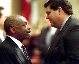 Object: ASSEMBLY/6DEC94/MN/WARD Caption: ASSEMBLY/6DEC94/MN/WARD--Willie Brown and Assemblyman James Brulte faced off after a tie vote failed to elect either to Speaker of the House. Now the negotiating begins. By Brant Ward Byline: Brant Ward Date: 12/05/94 Time: 04:40:38 PM
