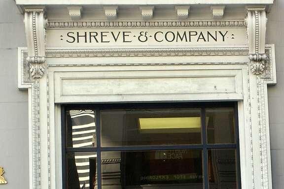 HOLIDAY2-C-01NOV02-MG-PG Shreve & Company SAN FRANCISCO CHRONICLE PHOTOGRAPHY BY PENNI GLADSTONE