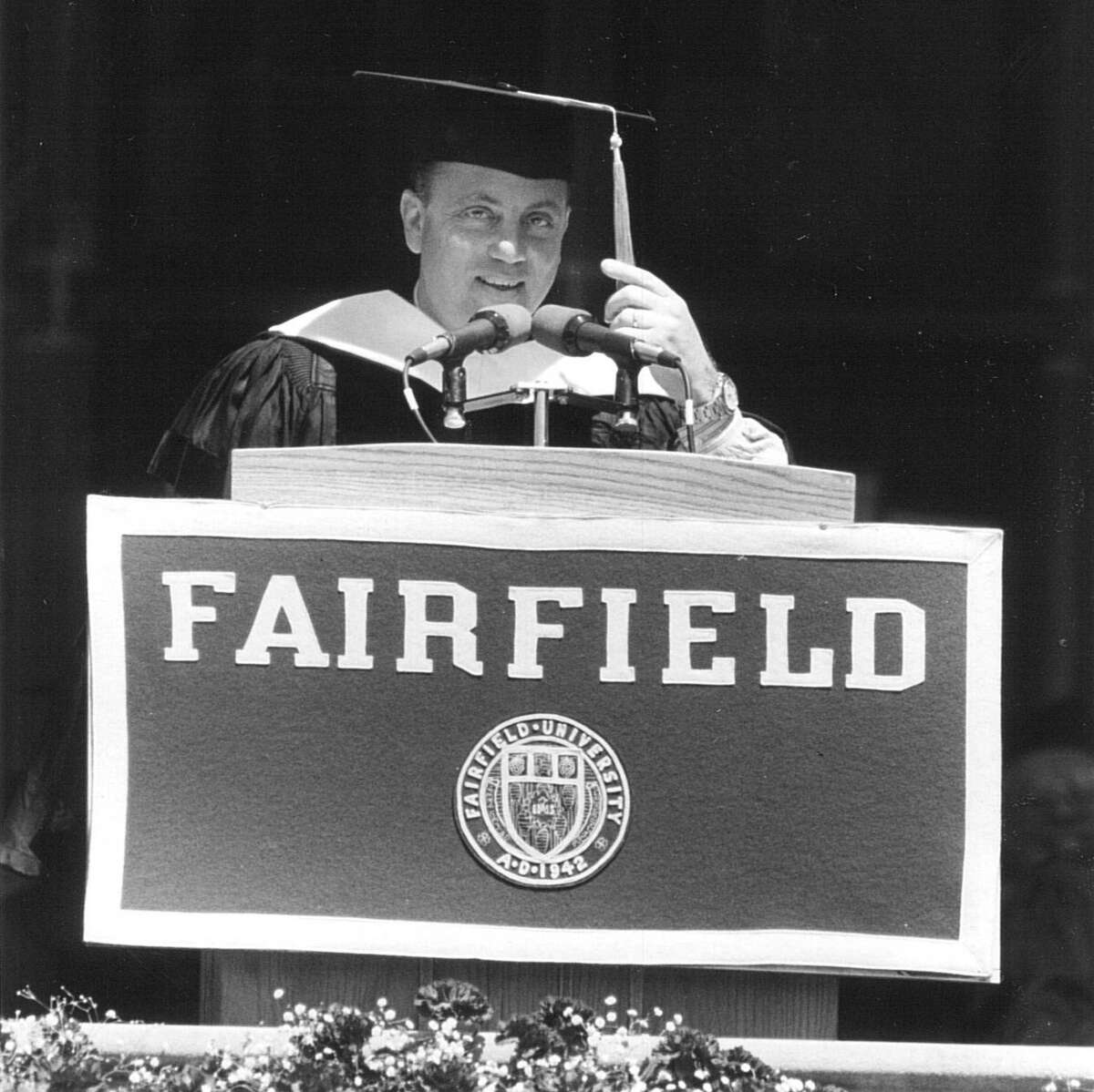 BILLY JOEL - FAIRFIELD UNIVERSITY, 1991 Speaker Billy Joel delivers an address to the Fairfield University Class of 1991, in May of 1991.