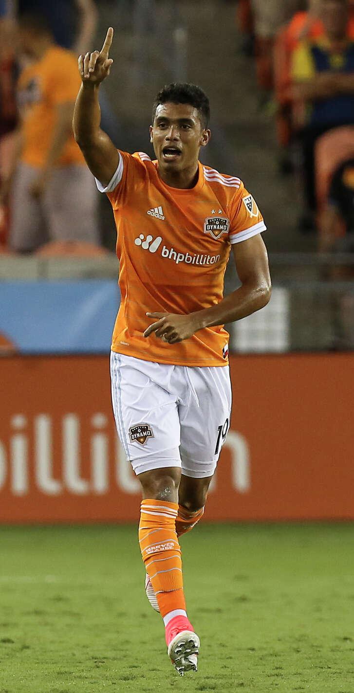 Dynamo forward Mauro Manotas celebrates his score Saturday at BBVA Compass Stadium.