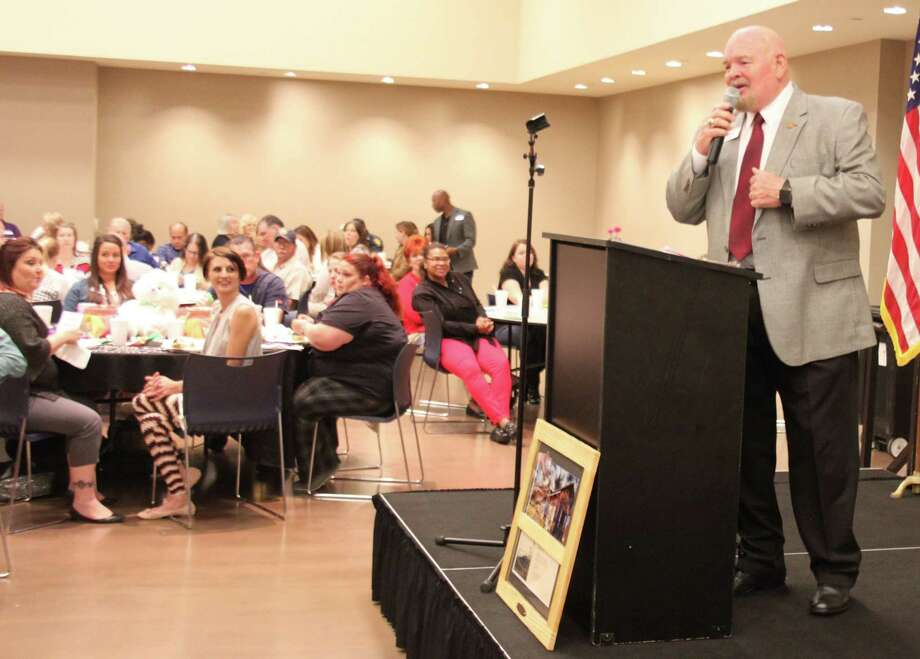 Small Business Development Center Director Bob Barragan explains how the organization helps new and existing businesses engage in today's business world during the Greater Cleveland Chamber of Commerce's luncheon on April 6. Photo: Jacob McAdams