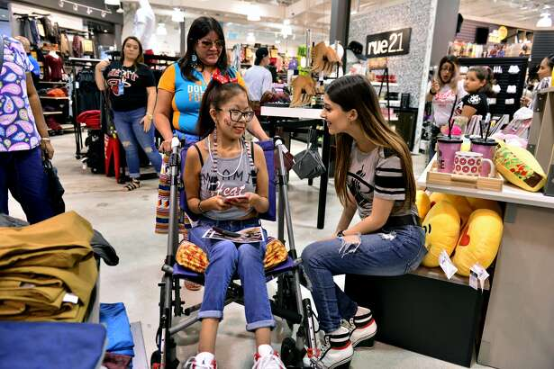 MIAMI, FL - OCTOBER 09: Actress/Singer Liz Elias attends a meet & greets and autographs signing at rue21 - Miami International Mall on October 9, 2016 in Miami, Florida. (Photo by Johnny Louis/FilmMagic)