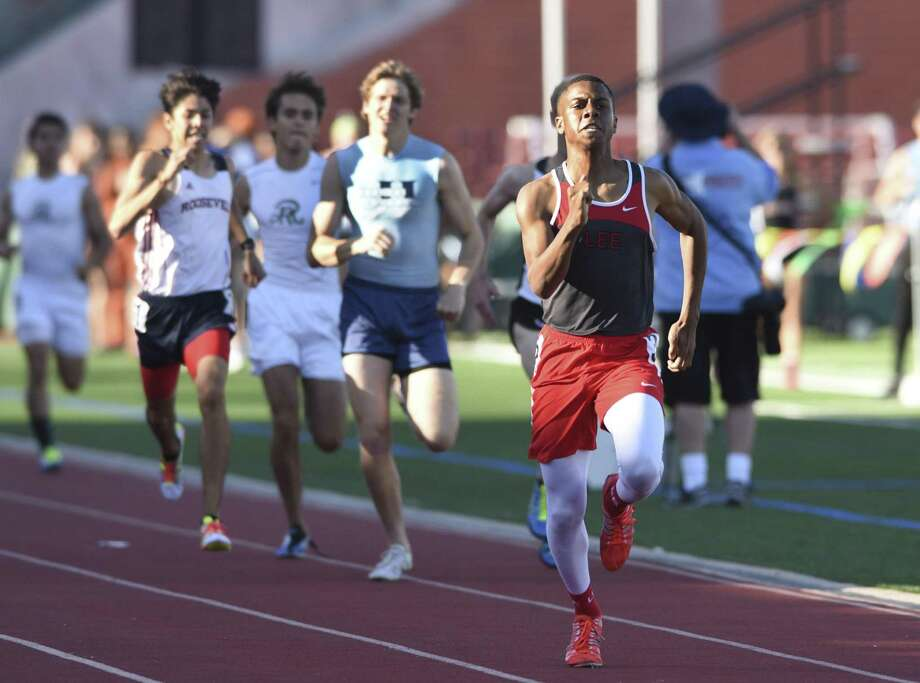 Brandon Falkquay of Lee runs to the finish line during the high school District 26-6A track and field meet at Heroes Stadium on April 14, 2016. Photo: Billy Calzada /San Antonio Express-News / San Antonio Express-News