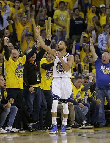 c2b845df89b Golden State Warriors guard Stephen Curry (30) celebrates during the second  half of Game