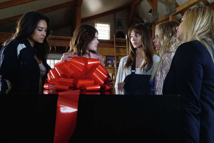 """PRETTY LITTLE LIARS – """"PlAytime"""" – After Noel Kahn's abrupt death, the Liars try putting their lives back together again in """"Playtime,"""" the first of the final ten episodes of Freeform's hit original series """"Pretty Little Liars,"""" airing TUESDAY, APRIL 18 (8:00 – 9:02 p.m. EDT). Fans can catch up on where the Liars left off with an all-day marathon of season seven starting at 11:00 a.m. EDT and running up to the one-hour spring premiere at 8:00 p.m. EDT. (Freeform/Eric McCandless)SHAY MITCHELL, LUCY HALE, TROIAN BELLISARIO, ASHLEY BENSON, SASHA PIETERSE"""