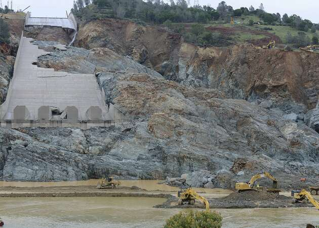 Oroville Dam's repair estimates jump to $275 million