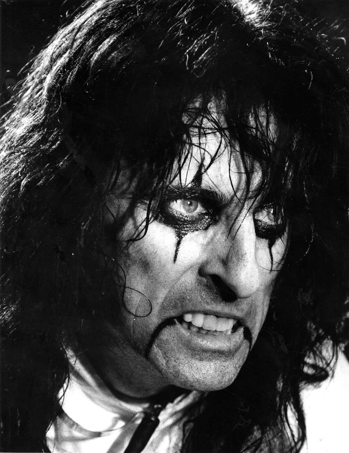 Singer Alice Cooper, at the Kaiser Center in Oakland January 27, 1987 Photo ran1/29/1987, P. 55 (batch 1)