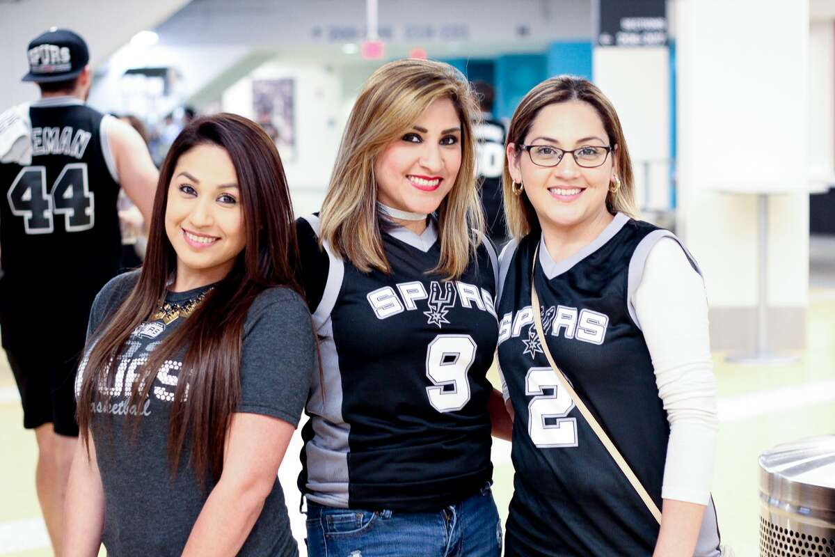 San Antonio Spurs fans cheered the Silver and Black to game 3 of the NBA playoffs after the team won 96-82 against the Grizzlies on Monday, April 17, 2017 at the AT&T Center.