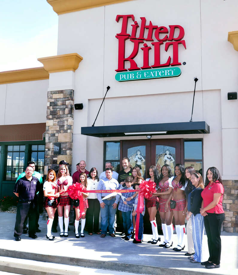 The Tilted Kilt, located at 2414 Jacaman Road, held a ribbon cutting ceremony Monday. Photo: Cuate Santos / Laredo Morning Times