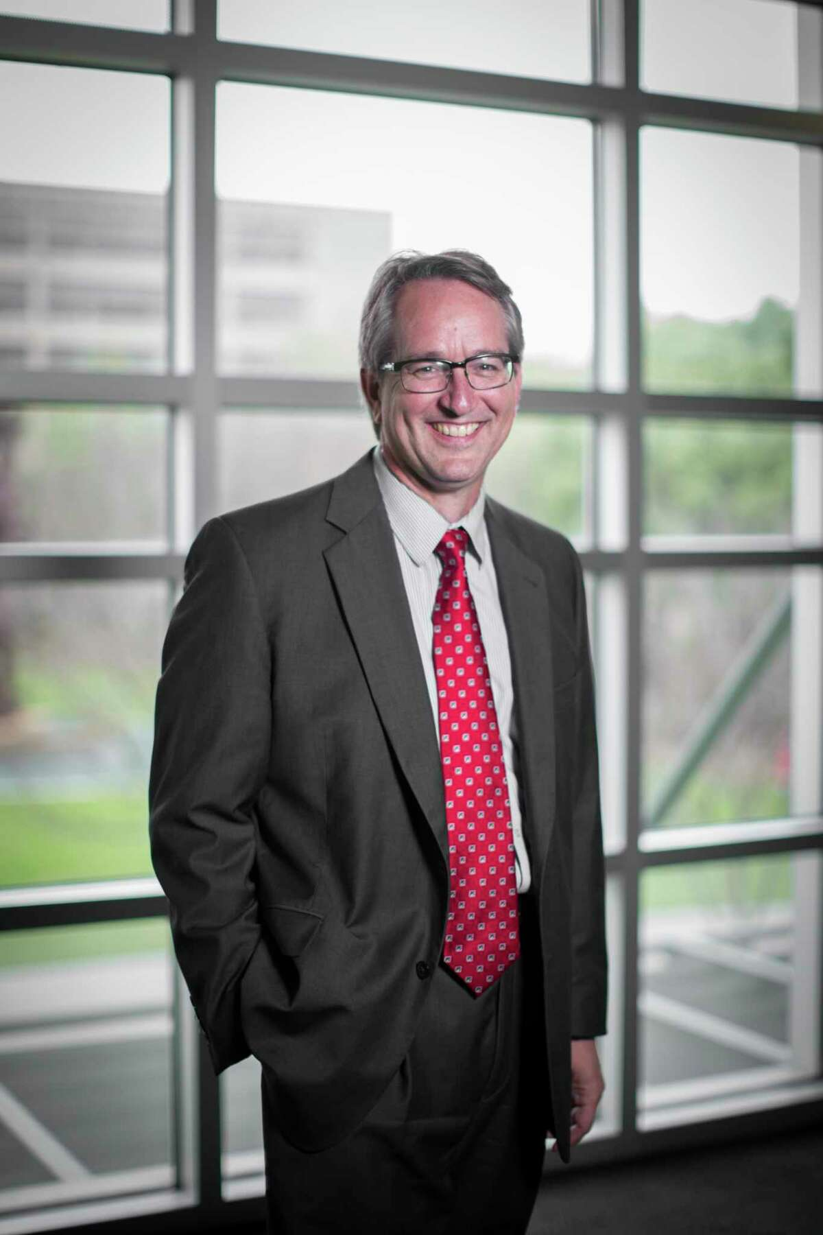 University of Houston faculty member, Dan Price, is leading a new program that will eventually pair students with community members as both learn how to be community health workers. Friday, March 10, 2017, in Houston. ( Marie D. De Jesus / Houston Chronicle )