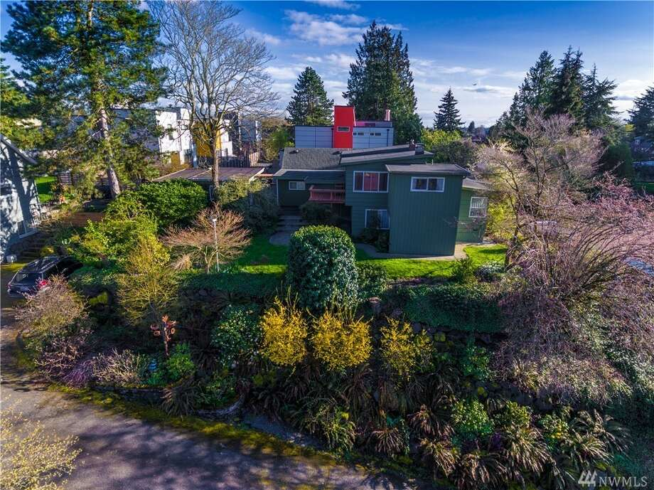 This eclectic home comes with a full backyard, as well as an upper deck connected to the living room. Enjoy views looking over Columbia City (and beyond, on a clear day) from the deck or from the wide windows of the living area.It's located at 2612 S. Ferdinand St., listed at $550,000. See the full listing here. Photo: Aimee Chase/Vista Estate Imaging