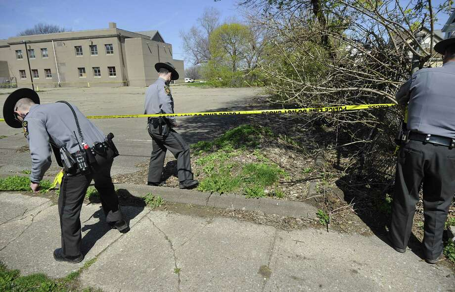 Pennsylvania police investigate the scene where Steve Stephens, the suspect in the killing of a Cleveland retiree posted on Facebook, was found Tuesday roughly 100 miles from the first alleged shooting. Photo: Greg Wohlford, MBI / Erie Times-News