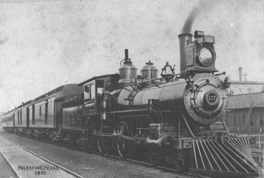 Image of an International & Great Northern steam engine taken in Palestine, Texas, in 1893. It was the second railroad to serve San Antonio, arriving in 1881. Photo: Courtesy Texas Transportation Museum