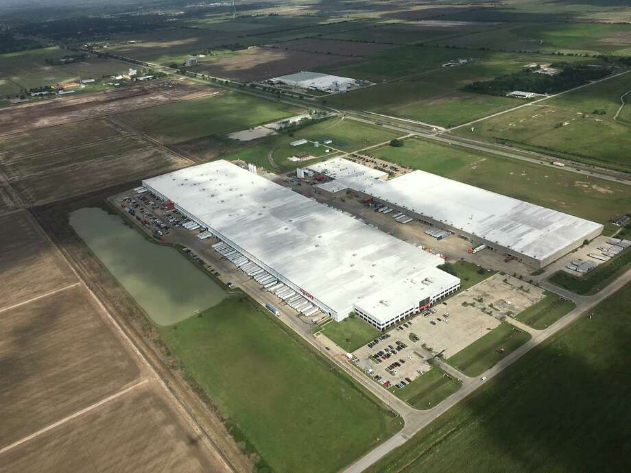 Nearly 12 big-box distributors shopping for warehouse space in