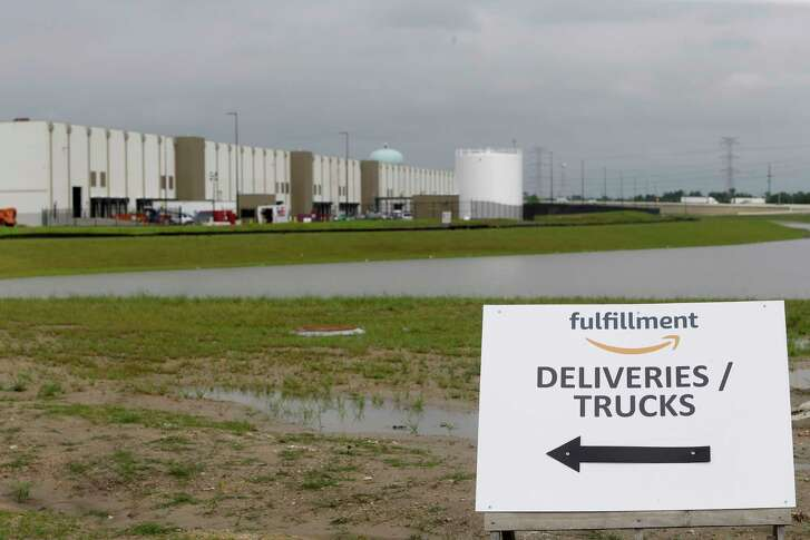 The Amazon.com fulfillment center,10550 Ella Blvd., is shown under construction   Wednesday, April 12, 2017, in Houston. ( Melissa Phillip / Houston Chronicle )