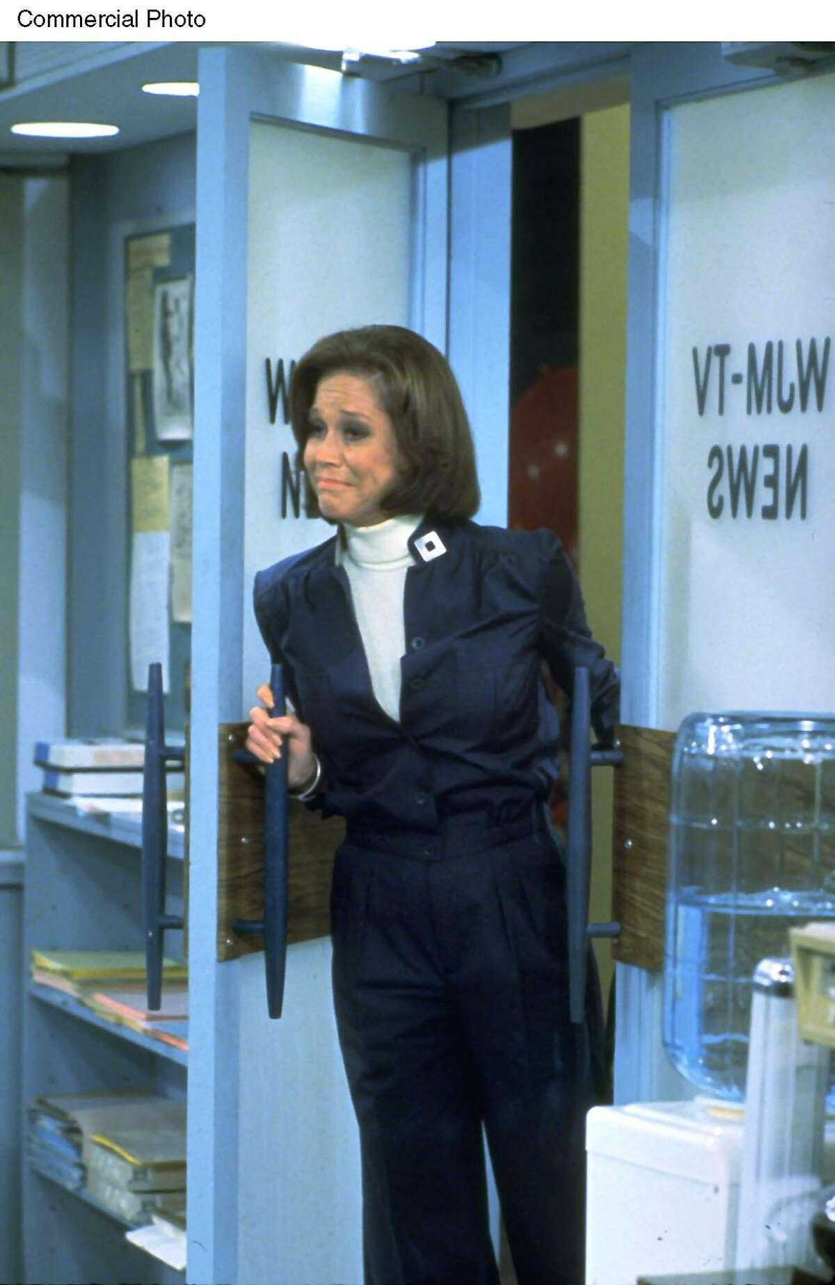 """TV Land bids adieu to 2002 with the best """"Last Episodes"""" of TV's timeless treasures. Pictured here is Mary Tyler Moore. Photo credit: Nick at Nite/MTM. (PRNewsFoto)"""