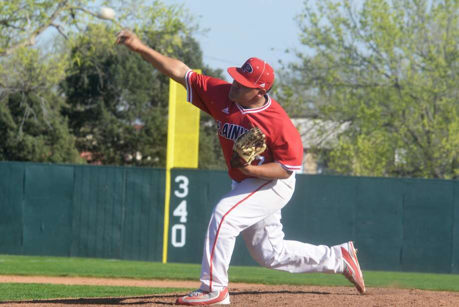 Plainview's Nathaniel Armijo, shown pitching during a game earlier this season, gave up one run and five hits in 4 1/3 innings of relief against Randall in a 6-3 Bulldog loss Tuesday. Photo: Skip Leon/Plainview Herald