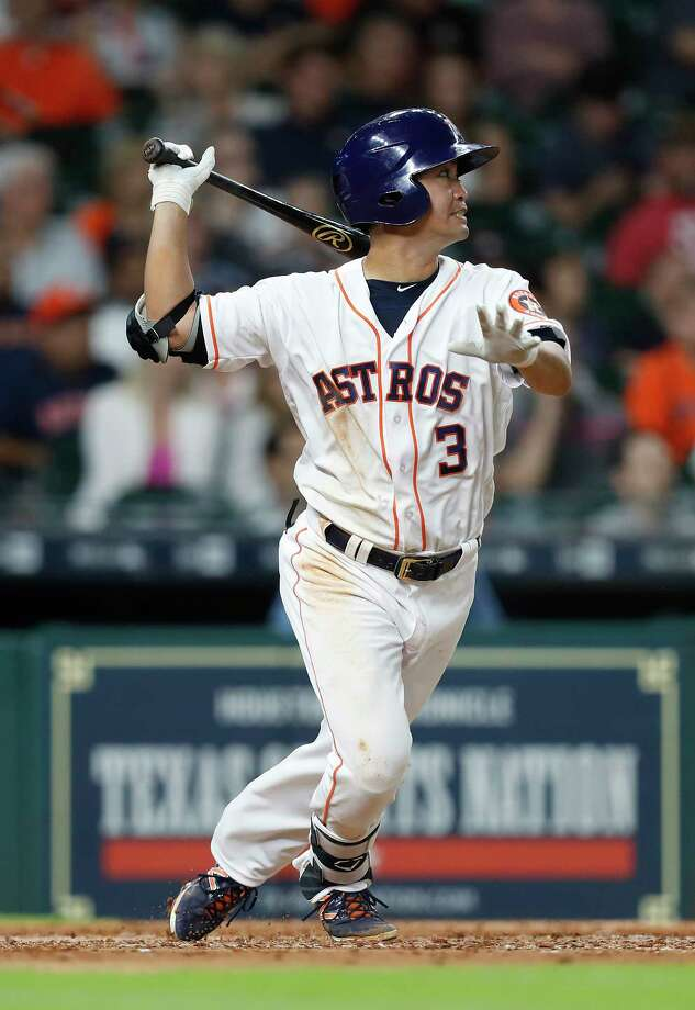 Houston Astros Norichika Aoki (3) singles during the seventh inning of an MLB baseball game at Minute Maid Park, Tuesday, April 18, 2017, in Houston. Photo: Karen Warren, Houston Chronicle / 2017 Houston Chronicle