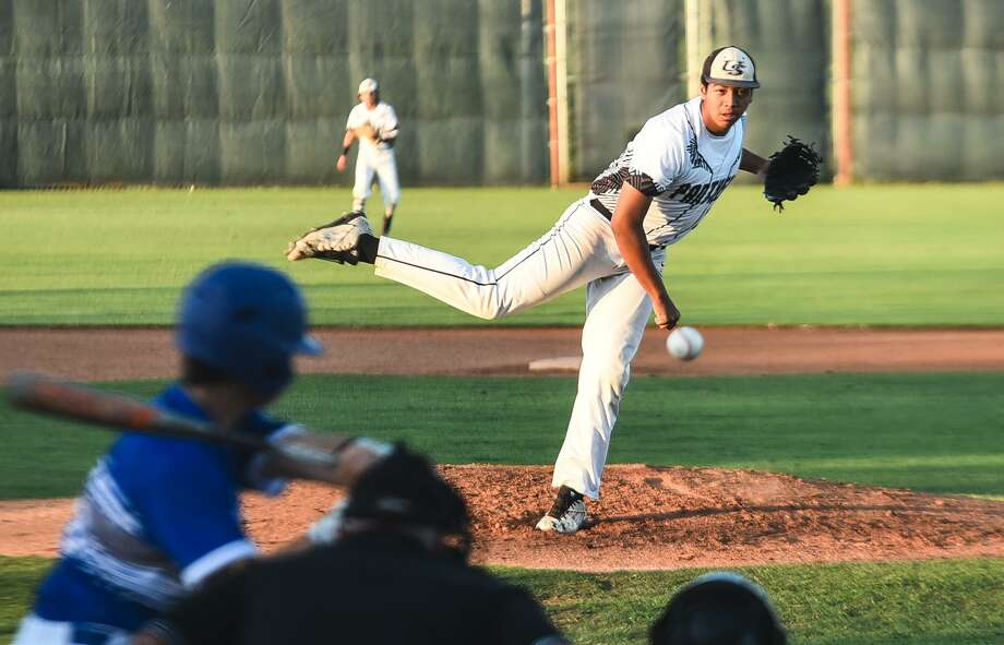 Jesus Paez had a non-decision despite pitching into the eighth inning Tuesday as United South beat Del Rio 4-3 at the SAC on a walk-off single from Bernardo Pedraza. Photo: Danny Zaragoza /Laredo Morning Times / Laredo Morning Times