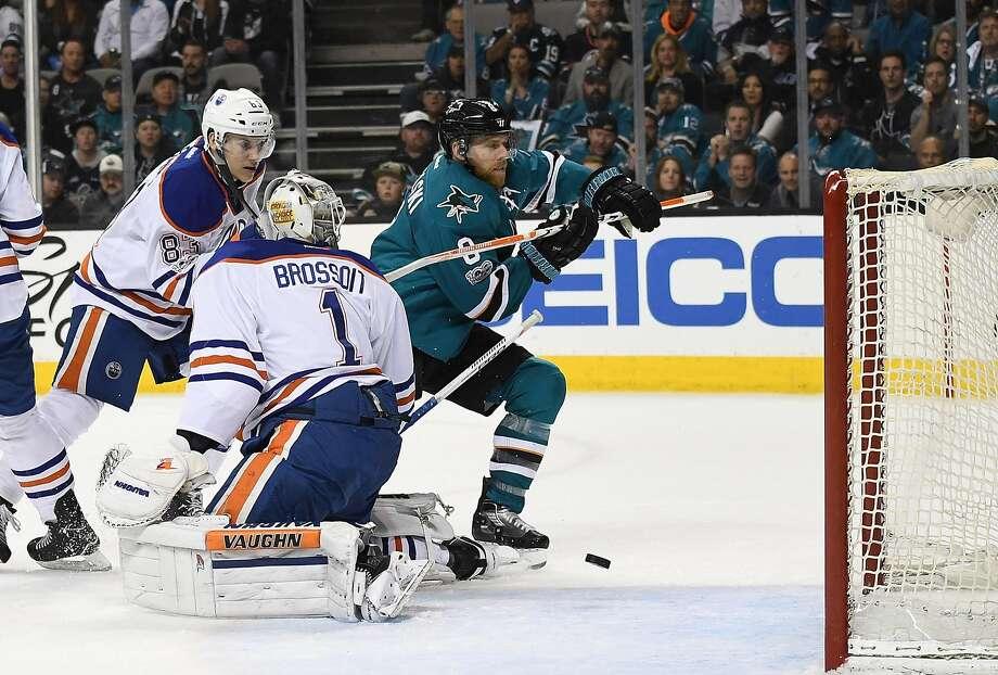 Sharks captain Joe Pavelski (right) scored two of the team's seven goals in Game 4 to even their best-of-seven series against the Oilers at 2-2 heading into Thursday's Game 5. Photo: Thearon W. Henderson, Getty Images