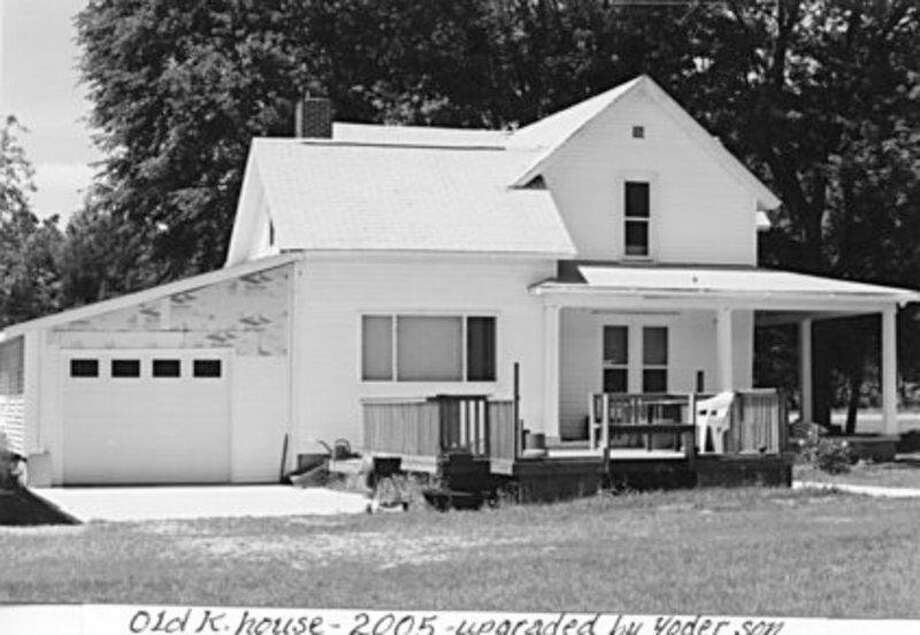 This is the Kleinhans farmhouse built by Eugene Kleinhans in 1895 on Pine River Road.  Remodeling through the years took place and this is how the farmhouse looked in 2005.