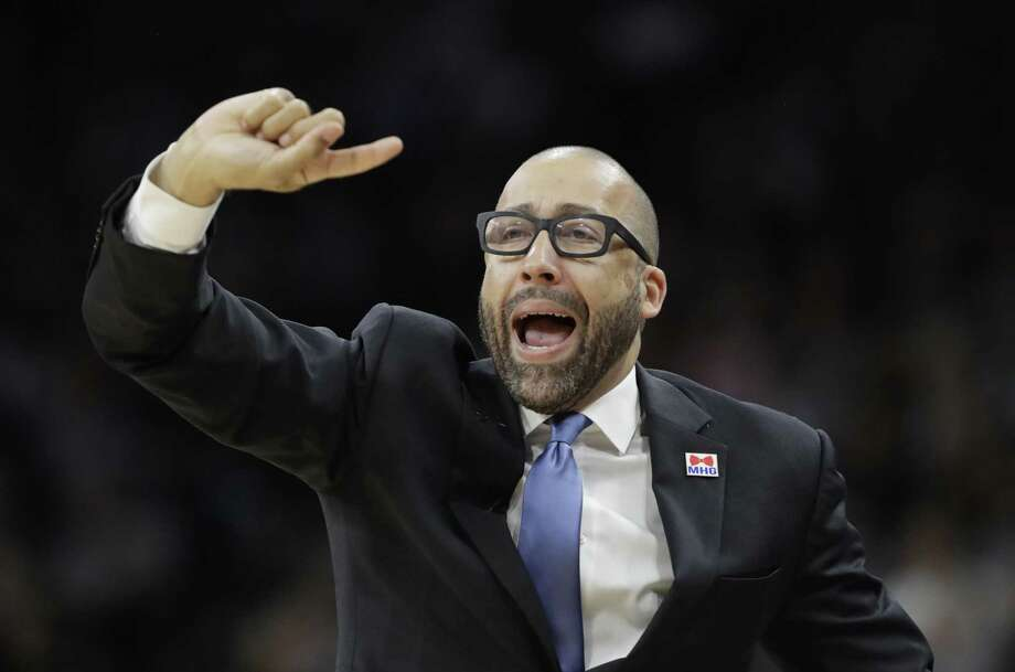 Memphis Grizzlies coach David Fizdale signals to his players during the first half in Game 2 of a first-round playoff series against the Spurs on April 17, 2017, in San Antonio. Photo: Eric Gay /Associated Press / Copyright 2017 The Associated Press. All rights reserved.