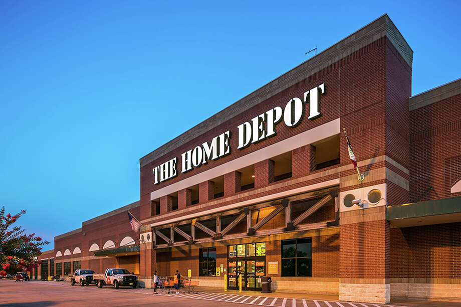 Dallas-based TriGate Capital has acquired First Colony Commons, a 410,121-square-foot retail center in at U.S. 59 and Williams Trace Boulevard in Sugar Land, from Covington Real Estate Partners. Photo: HFF, Owner/Photographer / Copyright 2016 Mabry Campbell