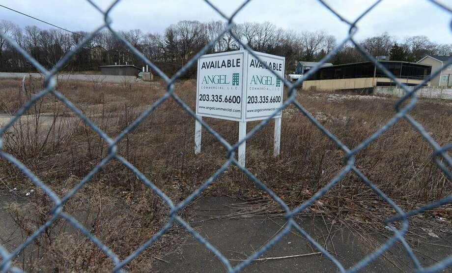 The former Elinco manufacturing site, a vacant 5-acre property at 272-280 Main Ave. in Norwalk. The city's Zoning Commission approved a plan for a big-box store on Wednesday evening. Photo: Erik Trautmann / Hearst Connecticut Media File Photo / Norwalk Hour