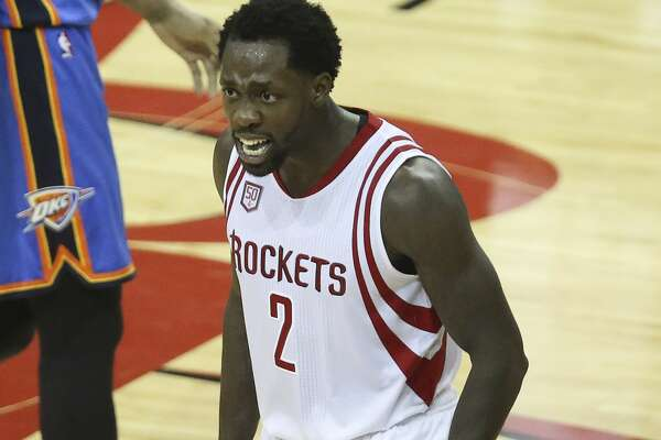 Houston Rockets guard Patrick Beverley (2) asks the crowd to cheer for the team as the Houston Rockets take on the Oklahoma City Thunder during the fourth quarter in Game 2 of the first-round playoff series at Toyota Center Wednesday, April 19, 2017, in Houston. The Rockets defeated the Thunders 115-111. ( Yi-Chin Lee / Houston Chronicle )