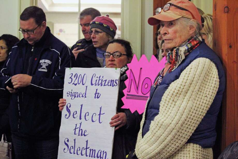 Residents filled the meeting room in February for a Board of Selectmen discussion regarding the special election for former Selectman Laurie McArdle's seat. The issue is now before the Appellate Court. Fairfield, CT. Photo: Genevieve Reilly / Hearst Connecticut Media / Fairfield Citizen