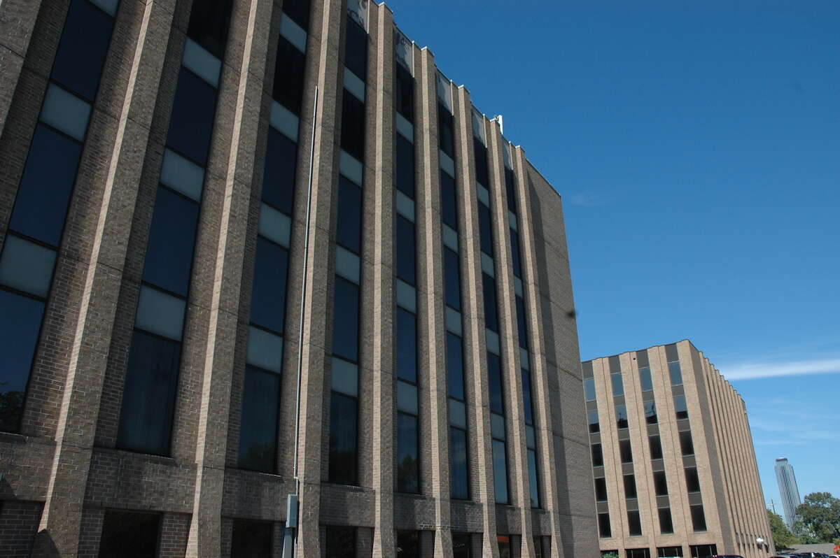 SLS Properties has purchased Bellaire Atrium I and II on the West Loop from an affiliate of Braun Enterprises.