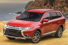 The 2017 Mitsubishi Outlander, with a starting price of $23,495, has lots of standard equipment, including new LED positioning lights, 18-inch alloy wheels, and LED taillights.