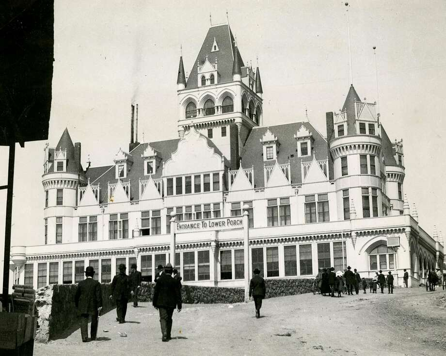 This incarnation of the Cliff House, at San Francisco's Land's End, was built in 1894, opened in 1896, survived the 1906 earthquake, only to burn down September 7, 1907. Photo: Chronicle Archives