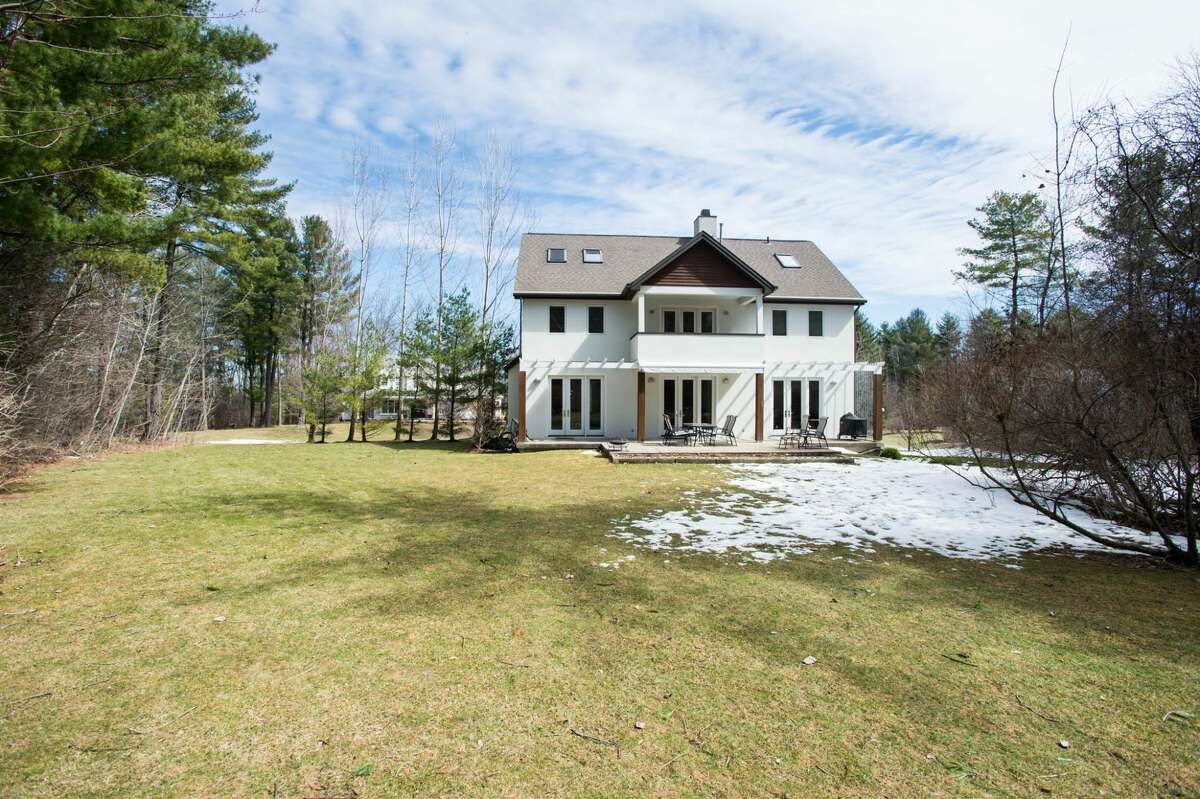 House of the Week: 1058 Lamplighter Rd., Niskayuna | Realtor: Alex Monticello of Monticello Real Estate | Discuss: Talk about this house