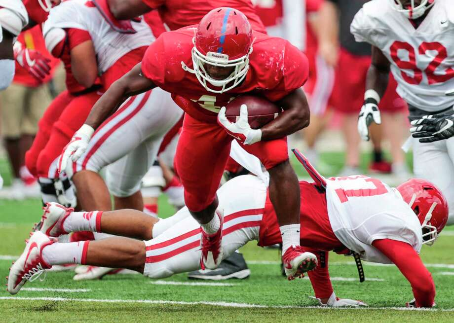 Houston running back Patrick Carr (46) runs the ball during the University of Houston Red-White Game at TDECU Stadium on Saturday, April 15, 2017, in Houston. ( Brett Coomer / Houston Chronicle ) Photo: Brett Coomer, Staff / © 2017 Houston Chronicle