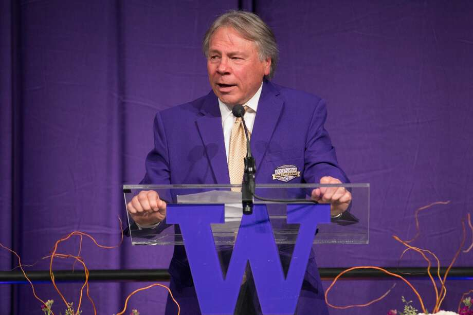 Play-by-play announcer Bob Rondeau at the University of Washington 2016 Hall of Fame Dinner in Alaska Airlines Arena on Sunday Oct. 23, 2016 in Seattle. (Stephen Brashear/Red Box Pictures) Photo: Stephen Brashear/Red Box Pictures