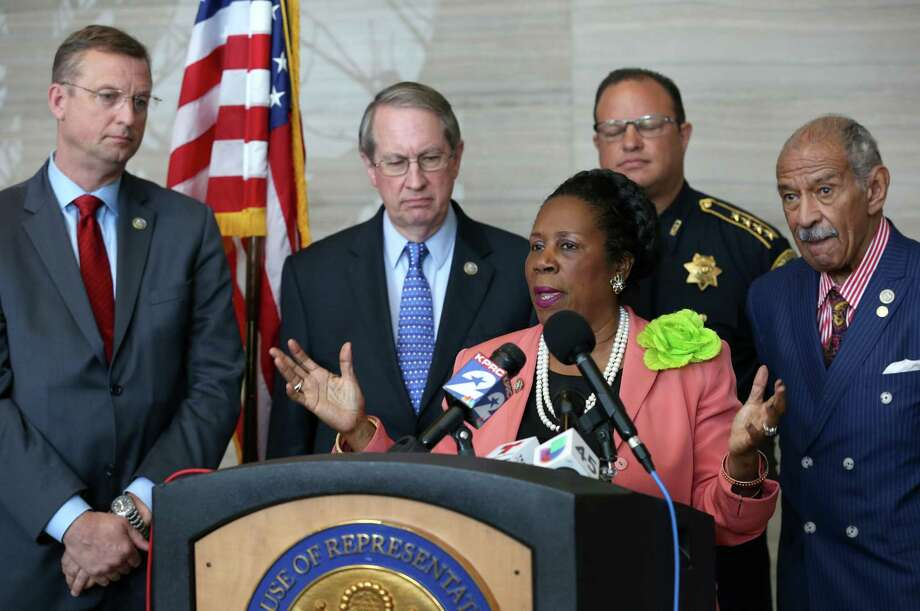 Congresswoman Sheila Jackson Lee serves on the Police Strategies Working Group, a 12-member association that was established to examine police accountability, aggression towards law enforcement and related public safety concerns.  Photo: Godofredo A. Vasquez, Staff / Godofredo A. Vasquez