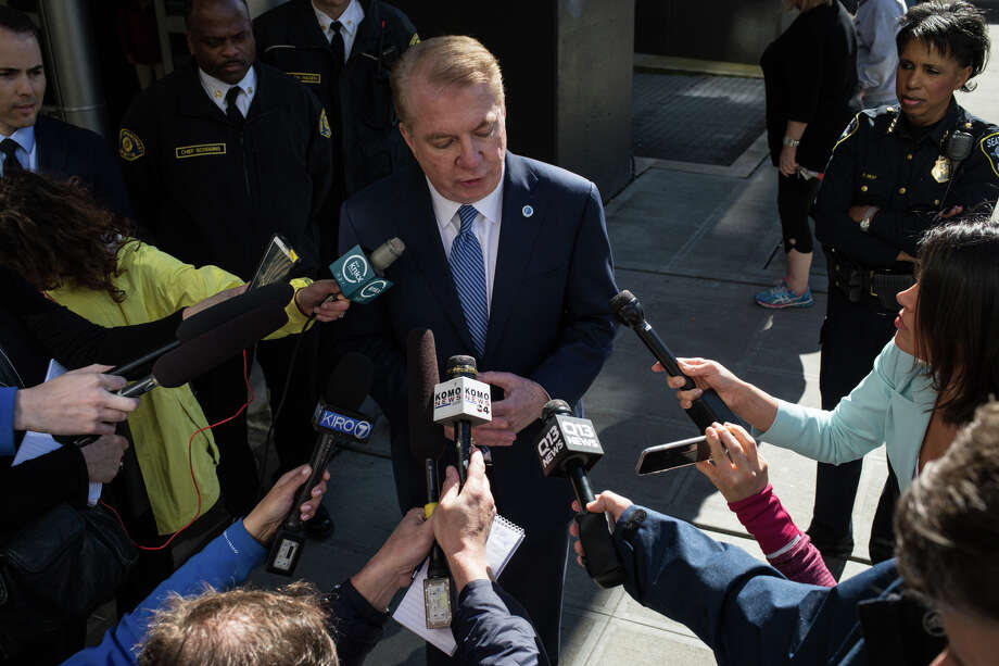 Mayor Ed Murray has continued to push his campaign for a second term, even as claims of sex abuse have daunted him. Now, at least one report says Murray will end his bid for reelection. Photo: GRANT HINDSLEY, SEATTLEPI.COM / SEATTLEPI.COM