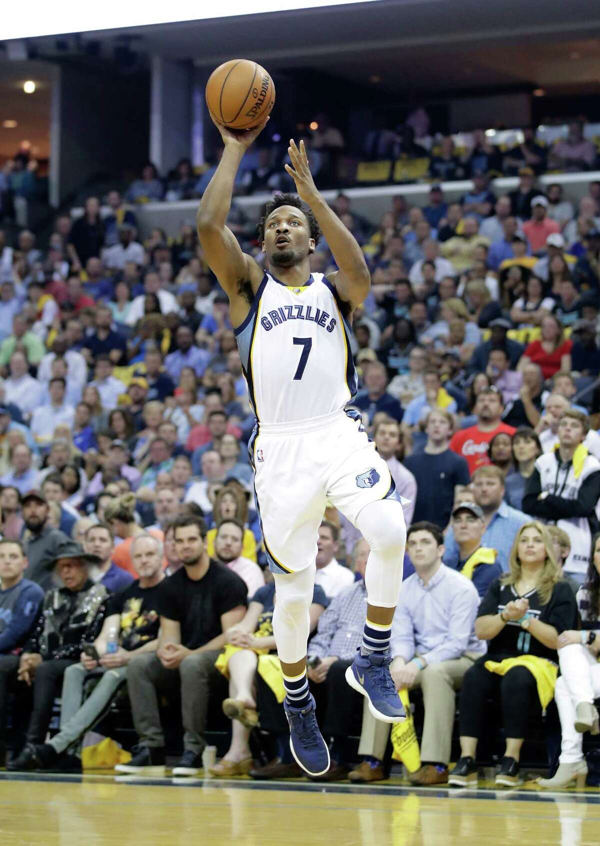 MEMPHIS, TN - APRIL 20: Wayne Selden Jr. #7 of the Memphis Grizzlies shoots the ball against the San Antonio Spurs in game three of the Western Conference Quarterfinals during the 2017 NBA Playoffs at FedExForum on April 20, 2017 in Memphis, Tennessee. NOTE TO USER: User expressly acknowledges and agrees that, by downloading and or using this photograph, User is consenting to the terms and conditions of the Getty Images License Agreement