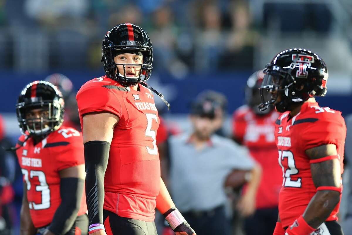 TEXAS COLLEGES AND LOCAL DRAFT PROSPECTS Patrick Mahomes, QB, Texas Tech High school: Whitehouse Projected round: 1