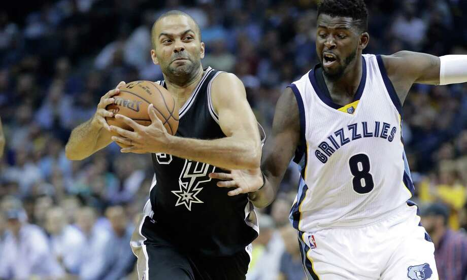 Tony Parker of the Spurs tries to drive around James Ennis III of the Grizzlies in Game 3 at FedExForum on April 20, 2017 in Memphis, Tenn. Photo: Andy Lyons /Getty Images / 2017 Getty Images