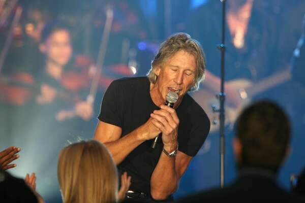 Musician Roger Waters performs during the VH1 Save The Music Foundation Gala at the Tent at Lincoln Center on September 20, 2007 in New York City. (Photo by Kevin Kane/WireImage)