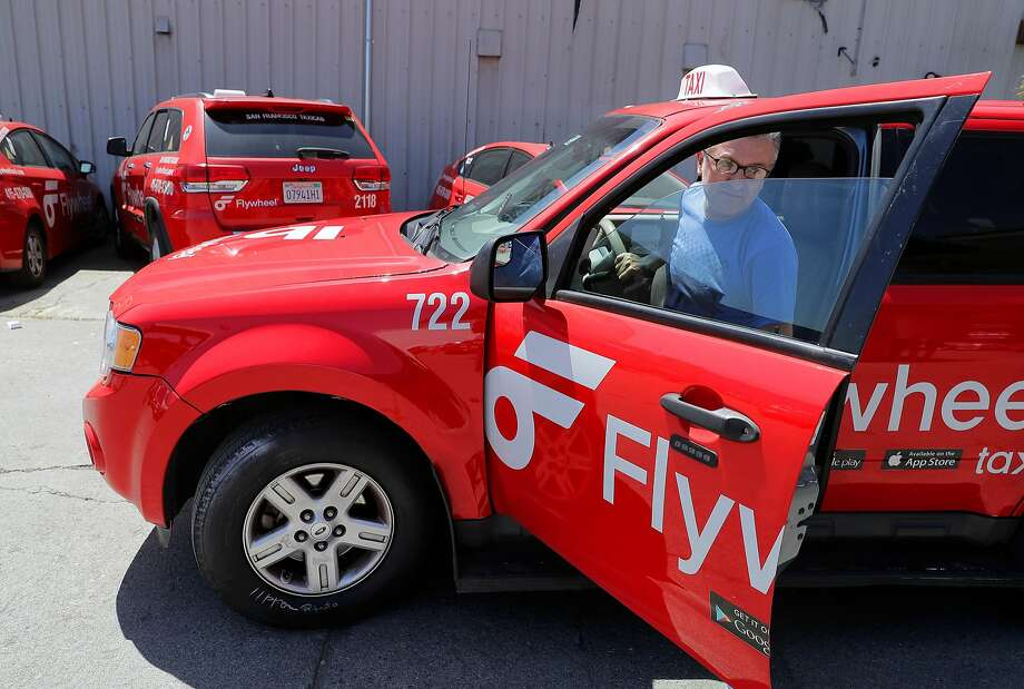 Taxi driver Bobby Soltanian returns his cab to the yard. Cabbies are divided on how to spend money in their medallion fund. Photo: Michael Macor, The Chronicle