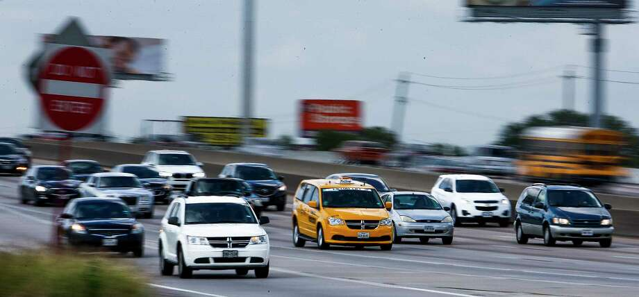 Cars drive along Interstate 45 at rush hour between 610 and Beltway 8 Friday, April 21, 2017 in Houston. Lawmakers are looking at plans to allow teachers and school personnel to store firearms in their vehicle parked on school property. Photo: Michael Ciaglo, Houston Chronicle / Michael Ciaglo